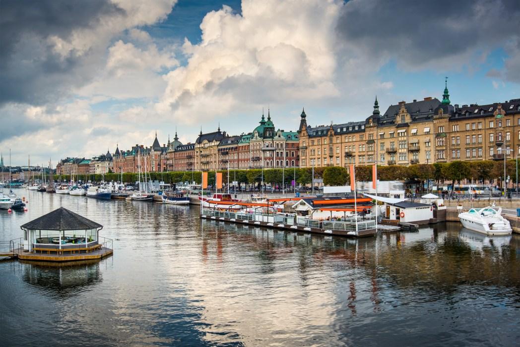 Ta en båttur i Stockholm