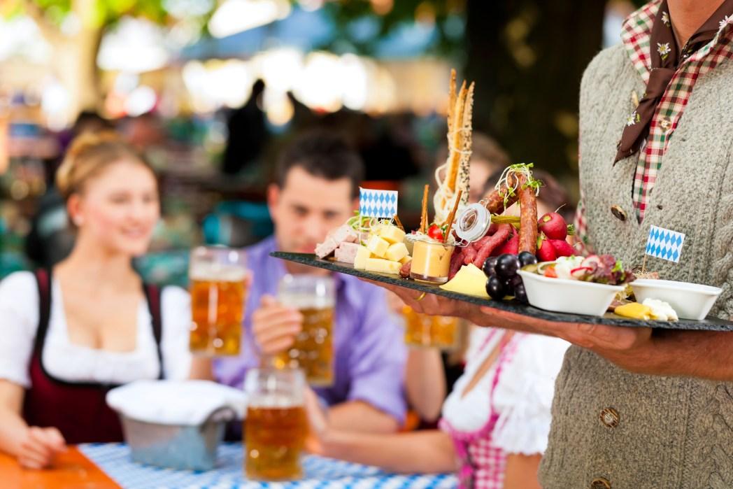 Oktoberfest i München med öl och tillbehör