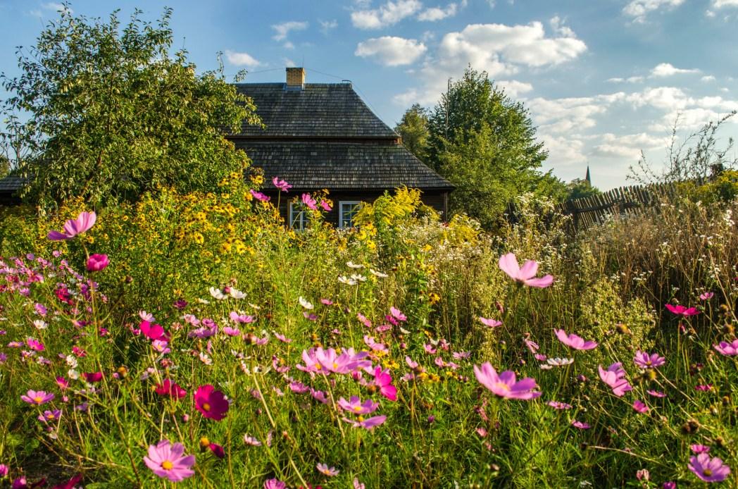 Traditionellt hus i östra Polen